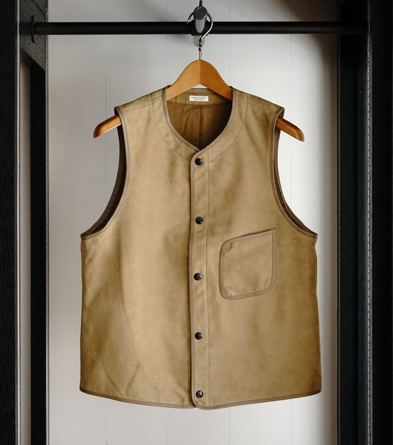 "Limited Products ""Nubuck Vest"""